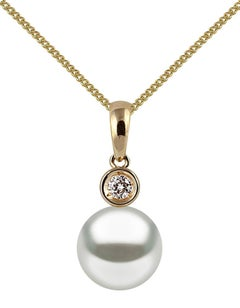 Yoko London Akoya Pearl and Diamond Pendant Set in 18 Karat Yellow Gold