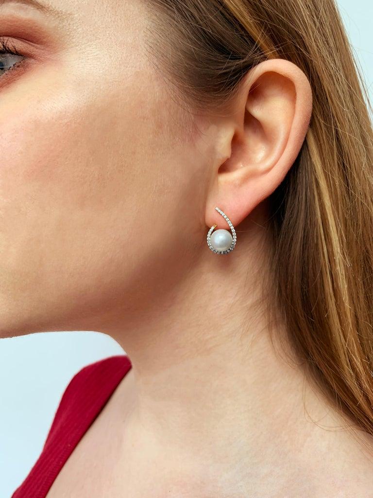 Round Cut Yoko London Freshwater Pearl and Diamond Earrings Set in 18 Karat Yellow Gold For Sale
