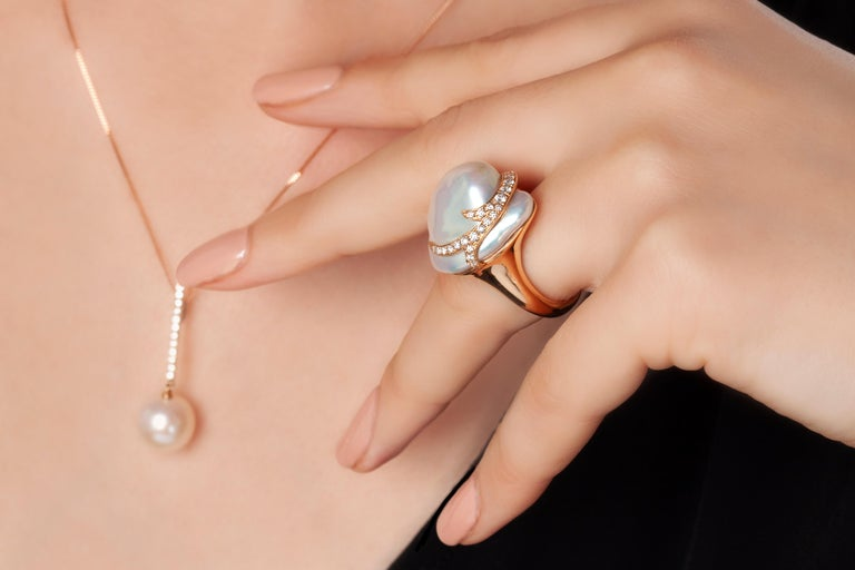 Round Cut Yoko London Freshwater Pearl and Diamond Pendant in 18 Karat Rose Gold For Sale