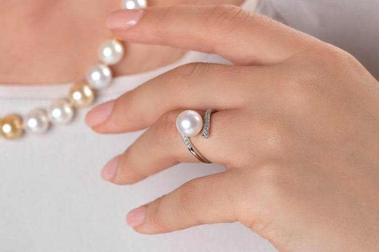 Featuring a radiant Freshwater Pearl set amongst a diamond twist, this unique ring by Yoko London will add a striking finish to any outfit.  Designed and hand finished in our London atelier, this ring has been crafted to the highest standard. A