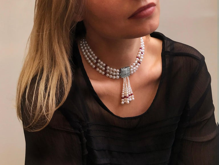 This unique three row choker by Yoko London features a sophisticated combination Ruby Rondelles and lustrous Cultured Freshwater Pearls, all of which have been hand-selected by Yoko London Experts to ensure a seamless finish. The choker is completed