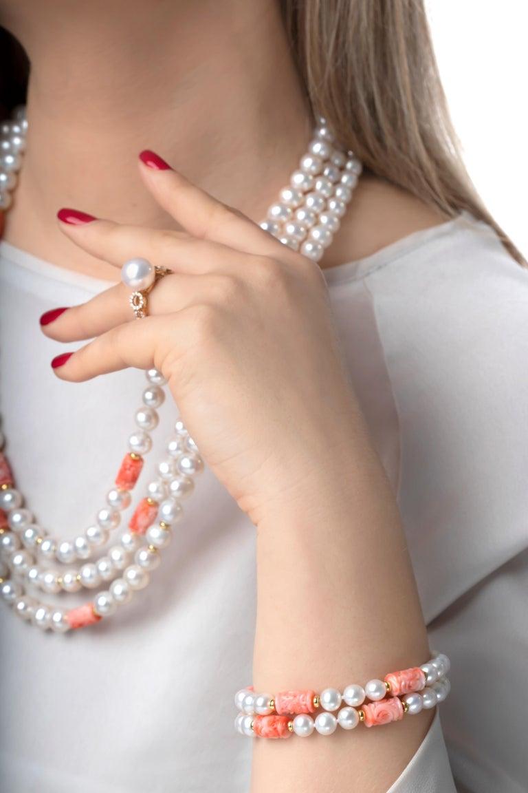 Modern Yoko London Pearls Freshwater Pearl and Coral Bracelet in 18 Karat Yellow Gold For Sale
