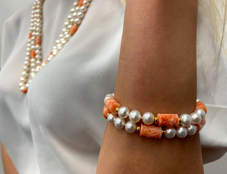 Round Cut Yoko London Pearls Freshwater Pearl and Coral Bracelet in 18 Karat Yellow Gold For Sale