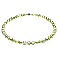 Yoko London Pistachio-Colored Tahitian Pearl Classic Necklace in 18 Karat Gold