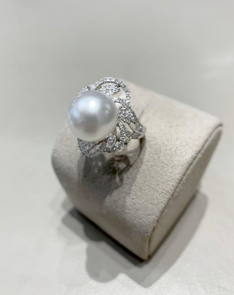 Yoko London South Sea Pearl and DIamond Ring in 18 Karat White Gold In New Condition For Sale In London, GB