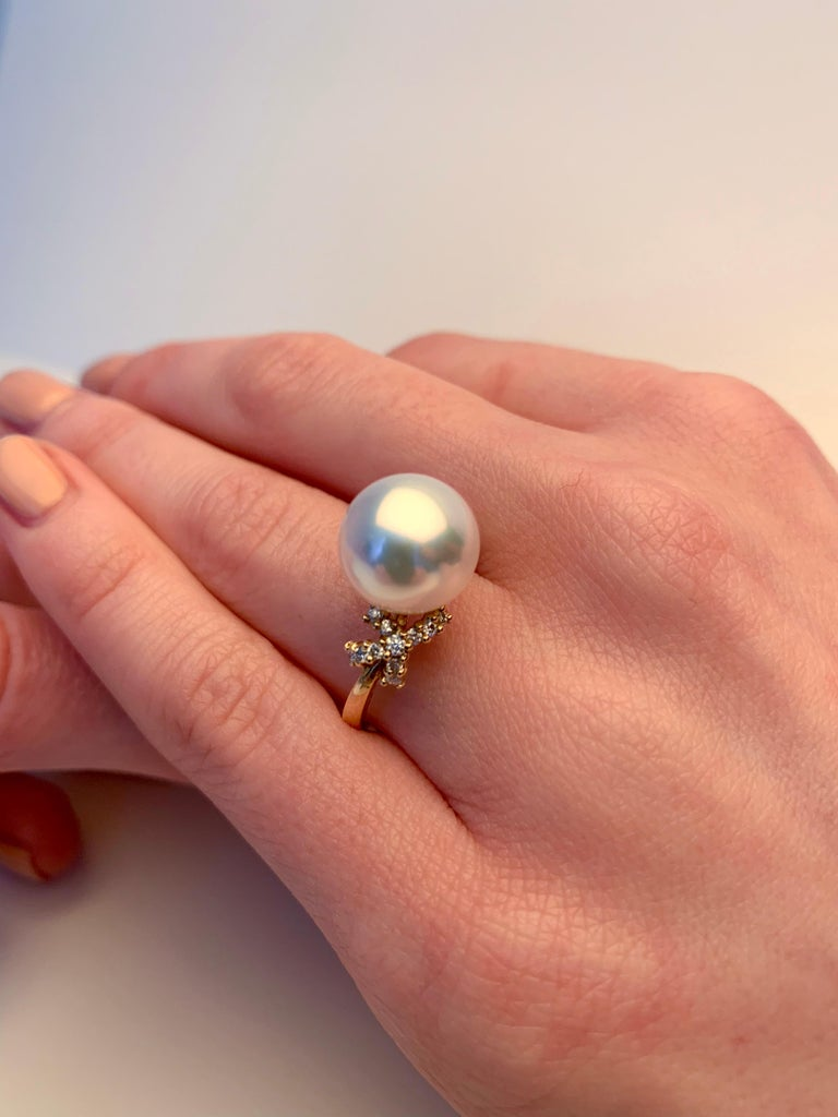 Modern Yoko London South Sea Pearl and Diamond Ring in 18 Karat Yellow Gold For Sale
