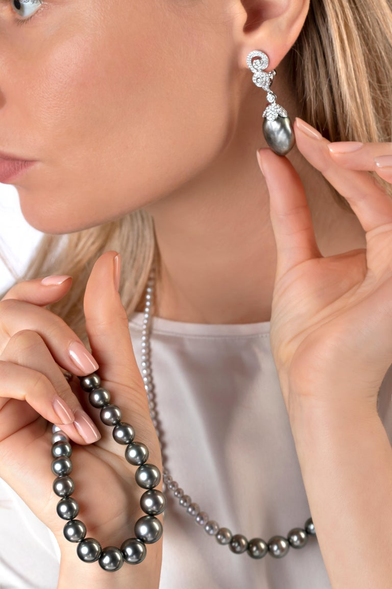 Round Cut Yoko London Tahitian Pearl and Akoya Pearl Necklace in 18 Karat White Gold For Sale