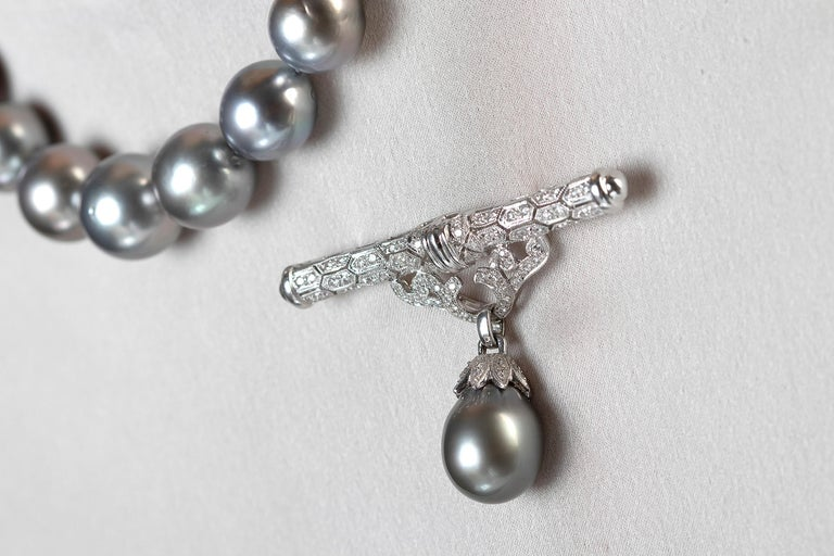 Yoko London Tahitian Pearl and Diamond Brooch, Set in 18 Karat White Gold In New Condition For Sale In London, GB