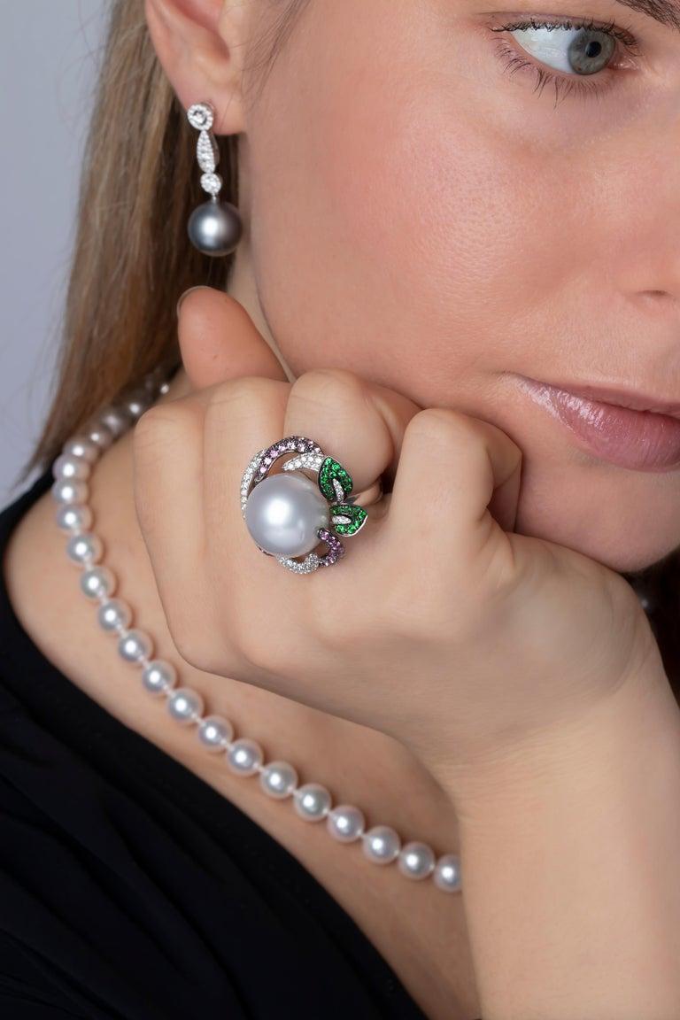 Yoko London Tahitian Pearl and Diamond Earrings in 18 Karat White Gold In New Condition For Sale In London, GB