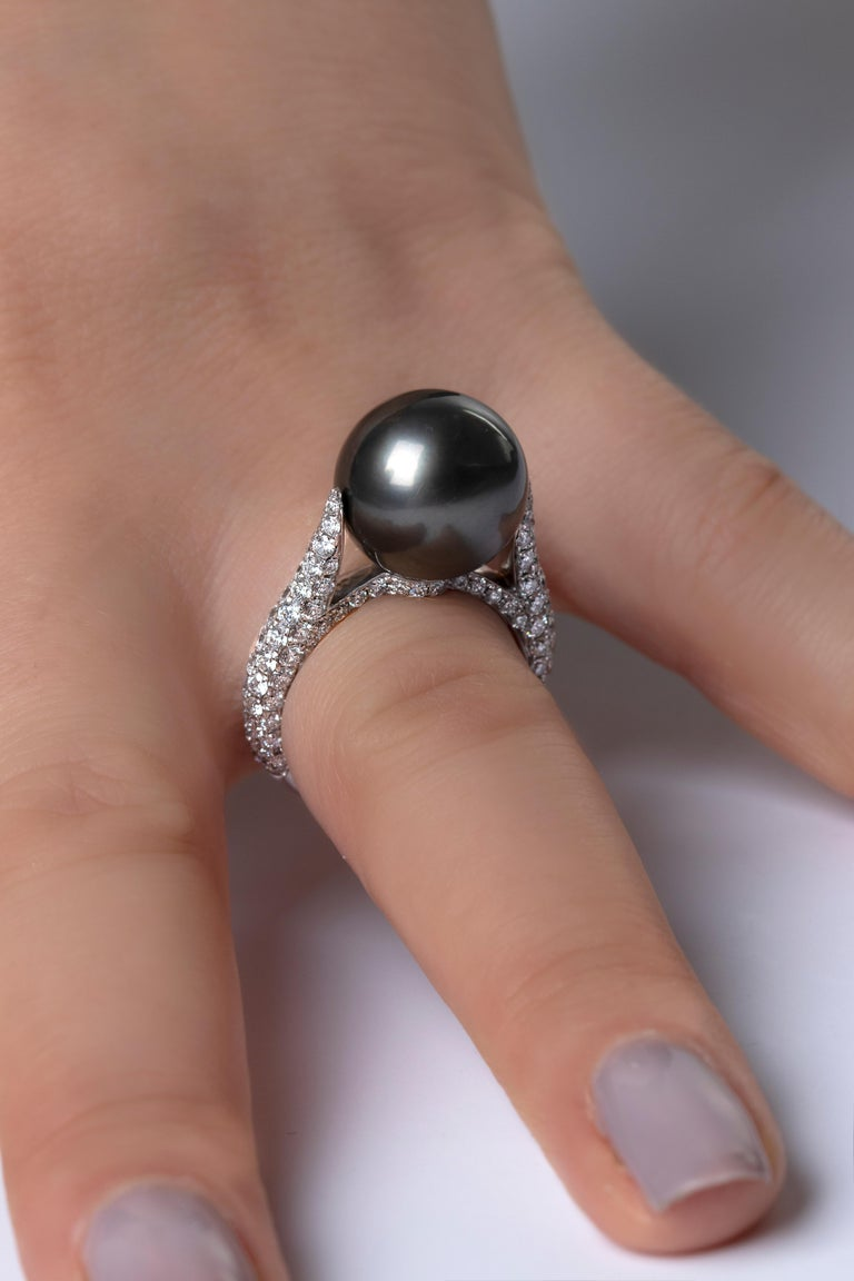 Yoko London Tahitian Pearl and Diamond Ring in 18 Karat White Gold In New Condition For Sale In London, GB