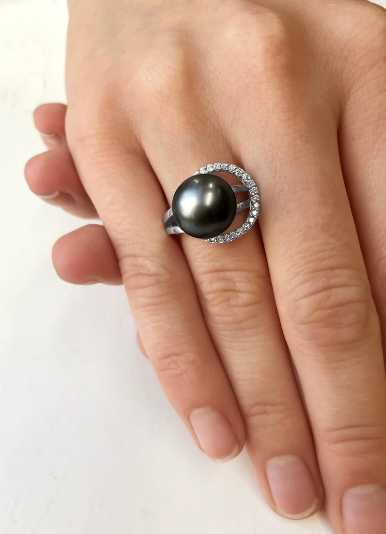 Modern Yoko London Tahitian Pearl and Diamond Ring Set in 18 Karat White Gold For Sale