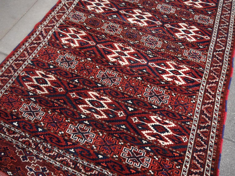Yomud Tribeal Turkmen Turkoman Antique Rug with Ram Motive Hand Knotted Carpet In Good Condition For Sale In Lohr, Bavaria, DE