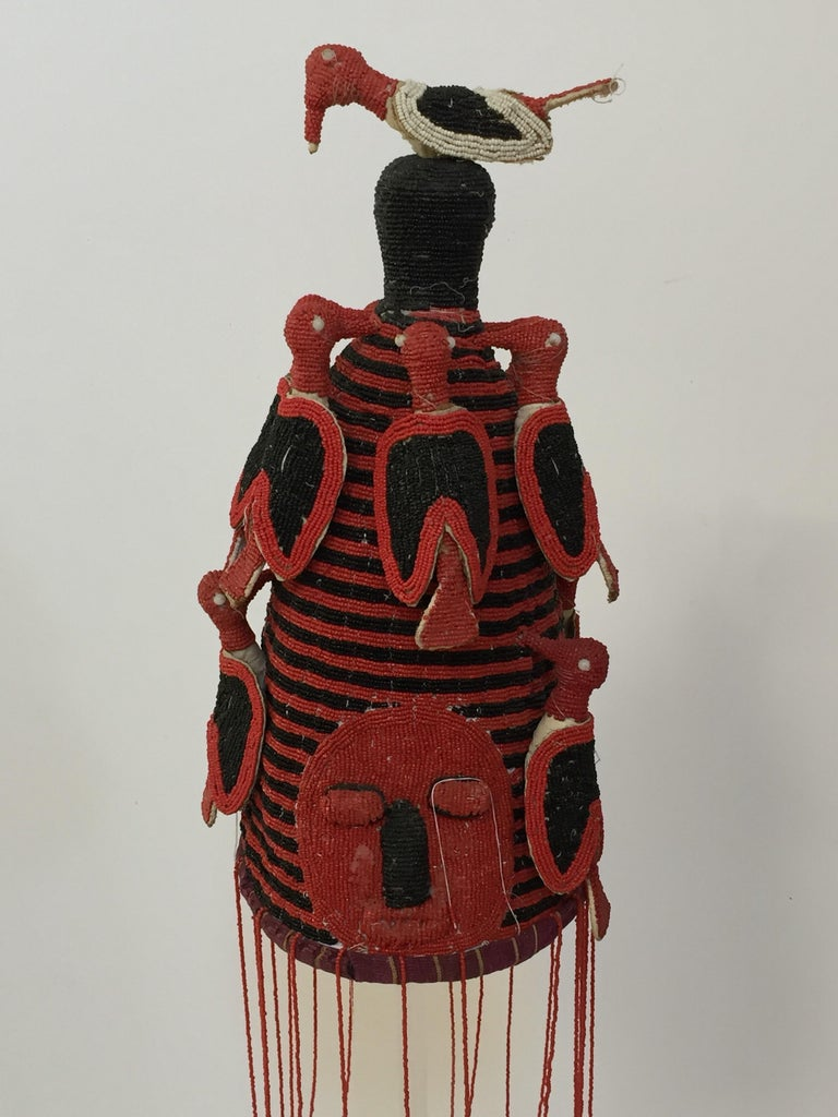 Tribal Yoruba Nigeria African Red Royal Beaded Headdress Crown on Lucite Stand For Sale