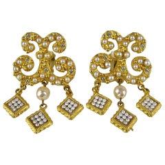 YOSCA Pearl Rhinestone Gold Dangle Earrings Never worn 1990s