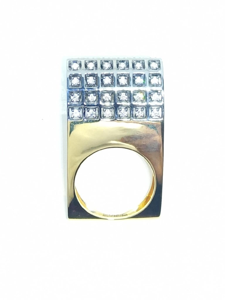 Women's Exceptions Exult with Contemporary One of a Kind White Diamond Gold Fashion Ring For Sale