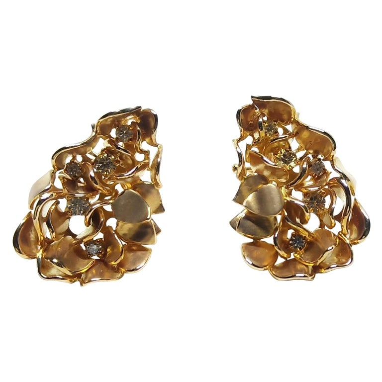 You Grab Eyeballs Without Worrying Being Xeroxed, White Diamond Gold Earrings For Sale