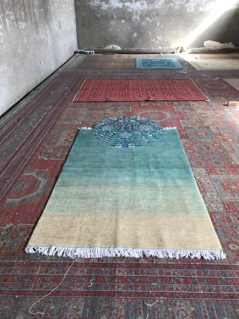 You Spin Me Round - Contemporary Rug made in Afghanistan In New Condition For Sale In Beirut, LB