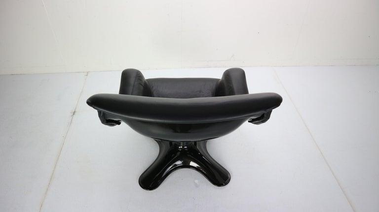 Yrjö Kukkapuro 'Karuselli' Lounge Chair in Black Leather for Haimi, 1960s For Sale 4