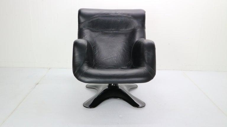 Scandinavian Modern Yrjö Kukkapuro 'Karuselli' Lounge Chair in Black Leather for Haimi, 1960s For Sale