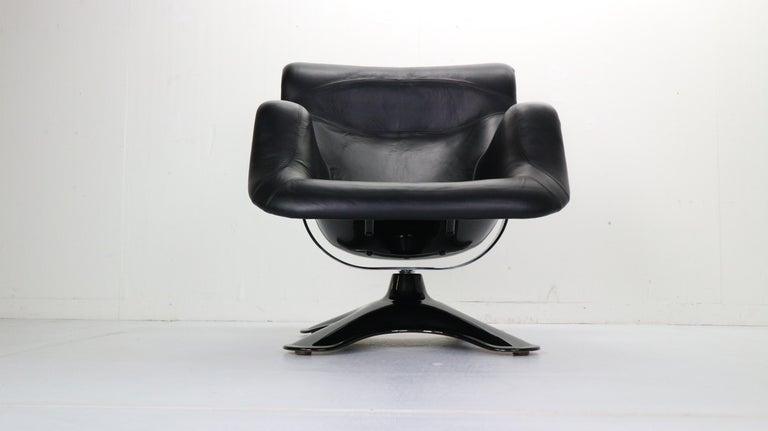 Finnish Yrjö Kukkapuro 'Karuselli' Lounge Chair in Black Leather for Haimi, 1960s For Sale