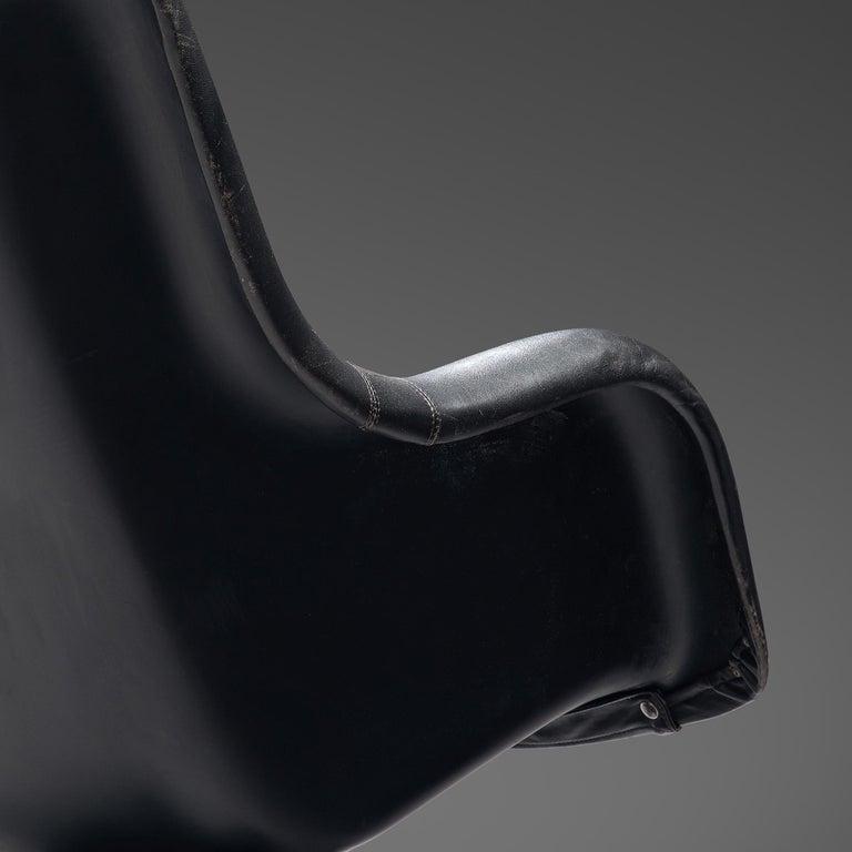 Yrjo Kukkapuro 'Karuselli' Lounge Chair in Black Patinated Leather For Sale 1