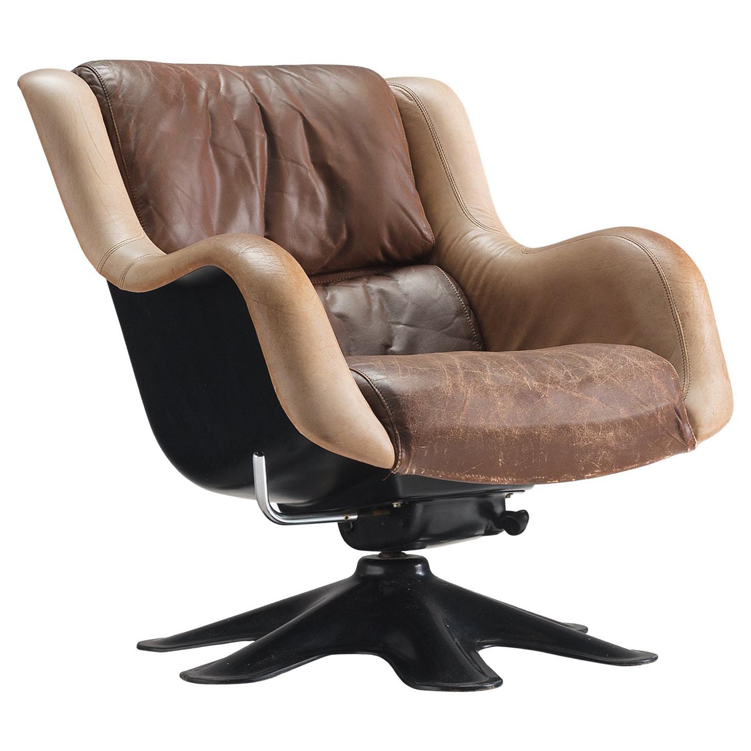 Yrjö Kukkapuro 'Karuselli' Lounge Chair in Brown Leather Upholstery