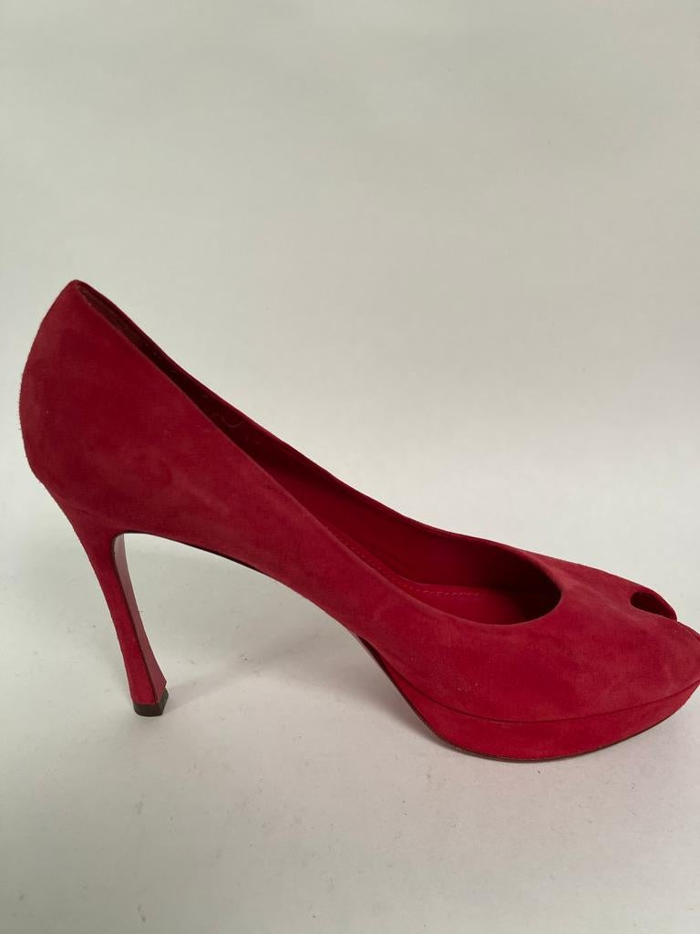YSL Peep toe pump In Excellent Condition For Sale In New York, NY