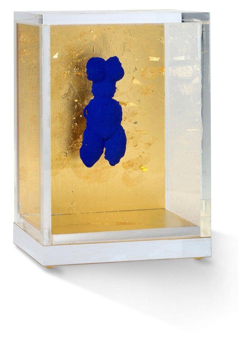 Yves Klein Small IKB Venus Brooch Sculpture Jewel in International Klein Blue - Gold Nude Sculpture by Yves Klein