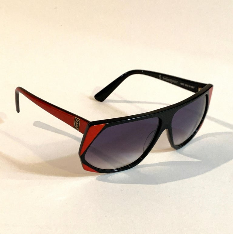 Yves Saint Laurent 1980s Black and Red Vintage Sunglasses YSL Logo Museum Piece In Excellent Condition For Sale In San Francisco, CA