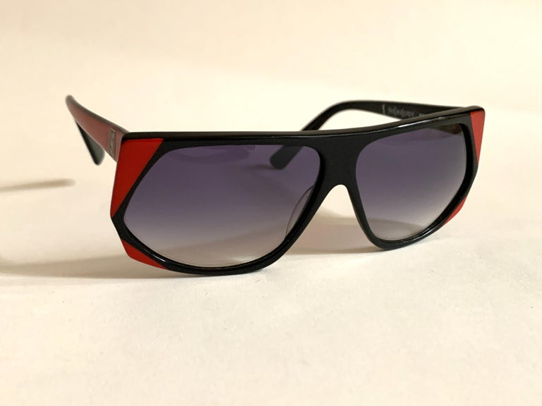 Women's or Men's Yves Saint Laurent 1980s Black and Red Vintage Sunglasses YSL Logo Museum Piece For Sale
