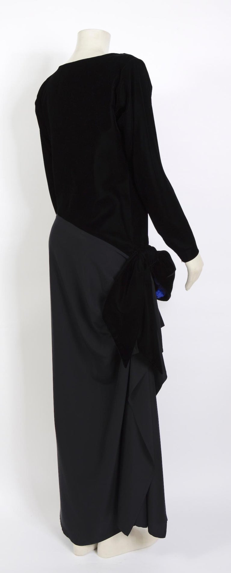 Yves Saint Laurent 1980s vintage black velvet and silk dress For Sale 1