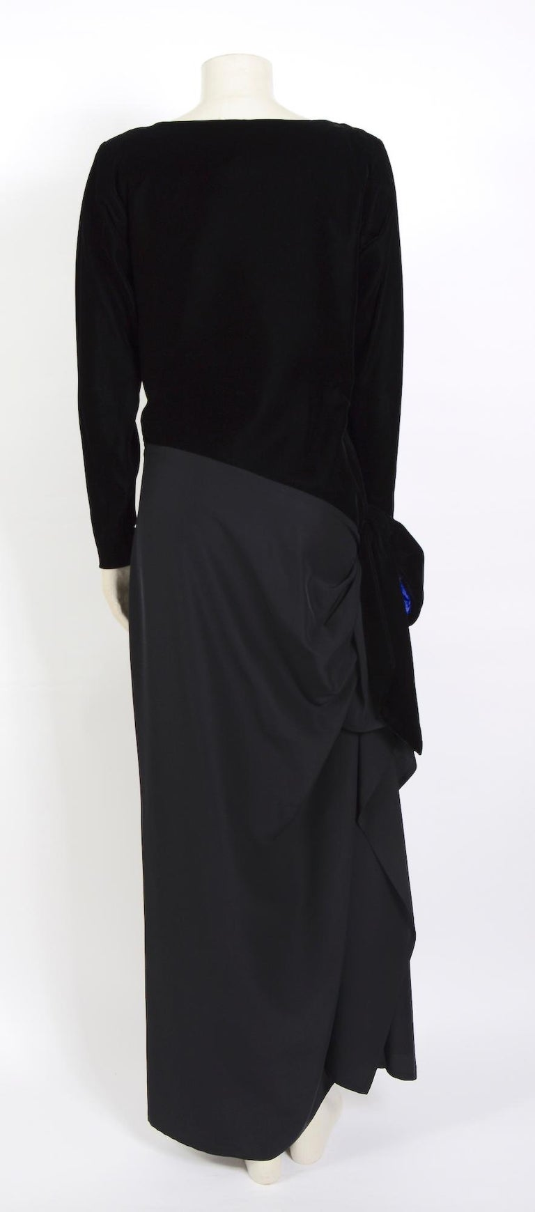 Yves Saint Laurent 1980s vintage black velvet and silk dress For Sale 3
