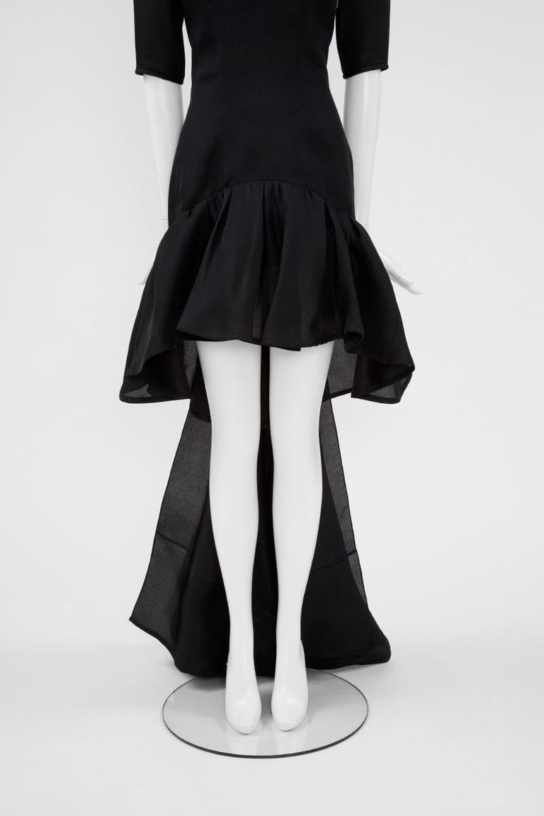 Yves Saint Laurent Asymmetric Ruffled Bow Evening Dress In Good Condition For Sale In Geneva, CH