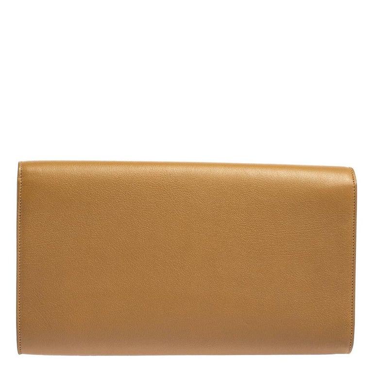 Yves Saint Laurent Beige Leather Belle De Jour Clutch In Good Condition For Sale In Dubai, Al Qouz 2