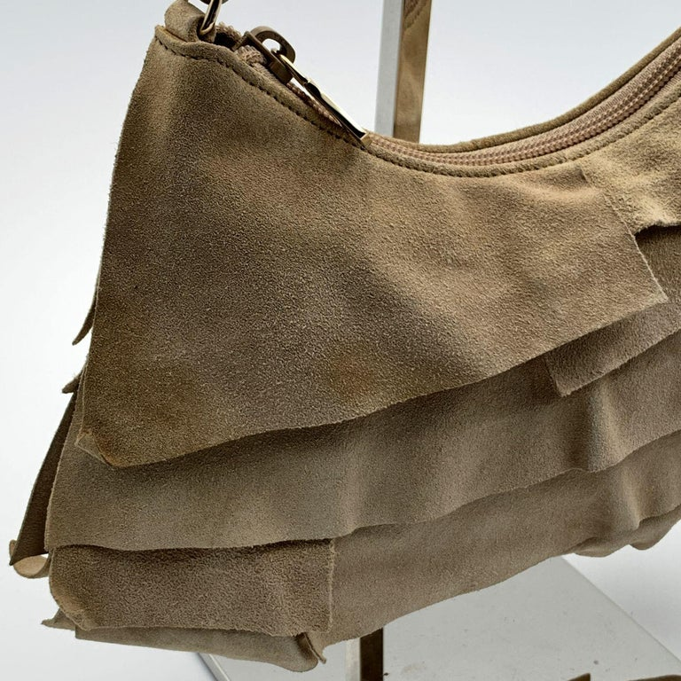Yves Saint Laurent Beige Ruffled Suede Small St Tropez Bag In Good Condition For Sale In Rome, Rome