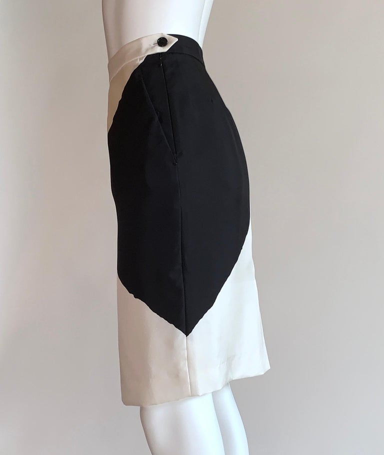 Gray Yves Saint Laurent Black and White Geometric Print Silk Pencil Skirt YSL For Sale
