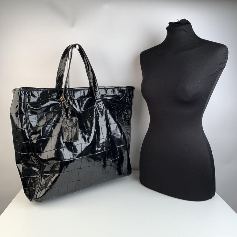 Women's Yves Saint Laurent Black Croc Embossed Patent Leather Raspail Bag For Sale