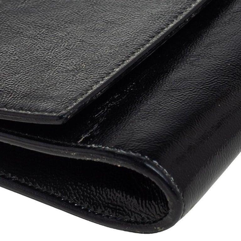 Yves Saint Laurent Black Patent Leather Belle De Jour Flap Clutch For Sale 7