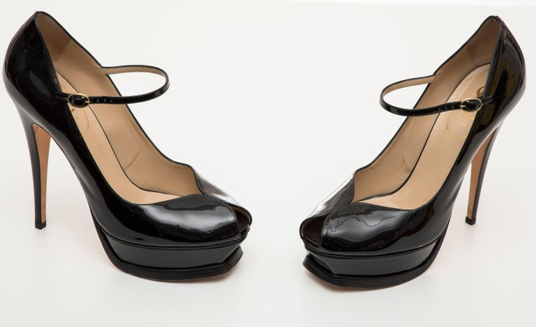 Yves Saint Laurent Black Patent Leather Platform Pumps For Sale 1