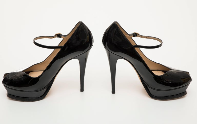 Yves Saint Laurent Black Patent Leather Platform Pumps For Sale 3