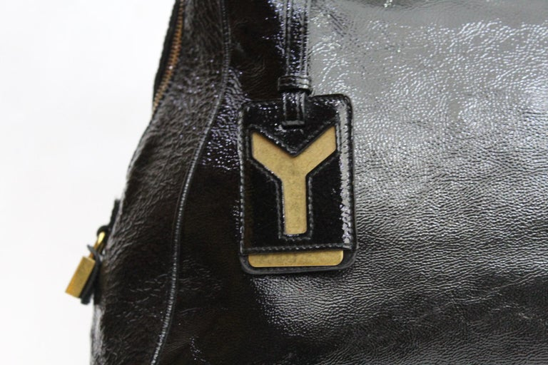 Yves Saint Laurent Black Patent Leather Shoulder Bag In Good Condition For Sale In Torre Del Greco, IT