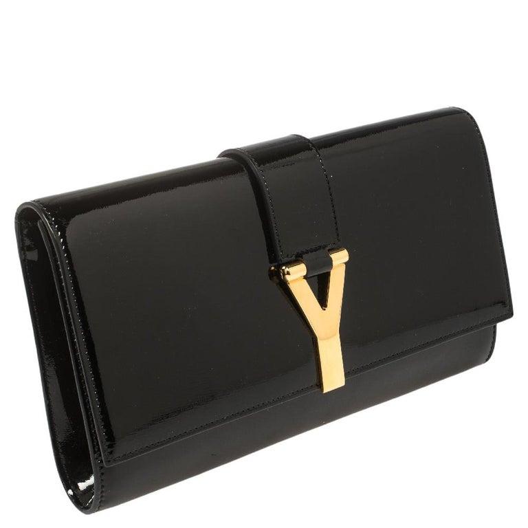 Yves Saint Laurent Black Patent Leather Y-Ligne Clutch In Good Condition For Sale In Dubai, Al Qouz 2