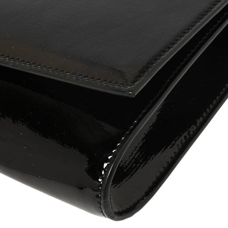 Yves Saint Laurent Black Patent Leather Y-Ligne Clutch For Sale 3