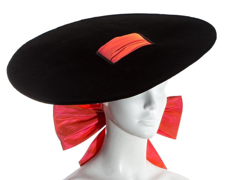 Yves Saint Laurent black velvet saucer hat with orange taffeta ribbon, fw 1995 In Good Condition For Sale In London, GB