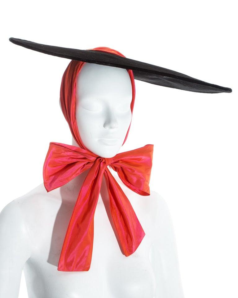 Yves Saint Laurent black velvet saucer hat with orange taffeta ribbon, fw 1995 For Sale 1