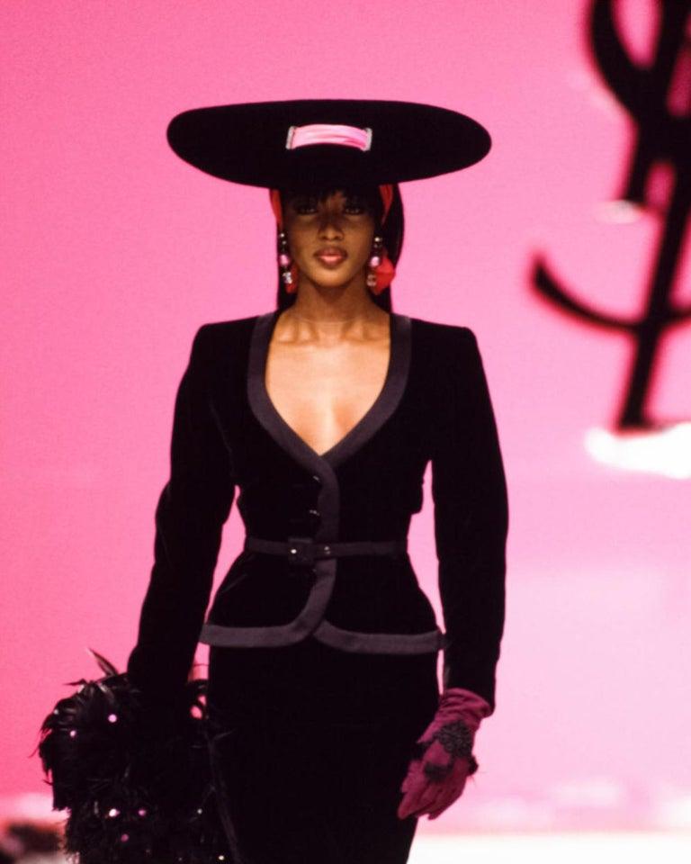 Black Yves Saint Laurent black velvet saucer hat with orange taffeta ribbon, fw 1995 For Sale