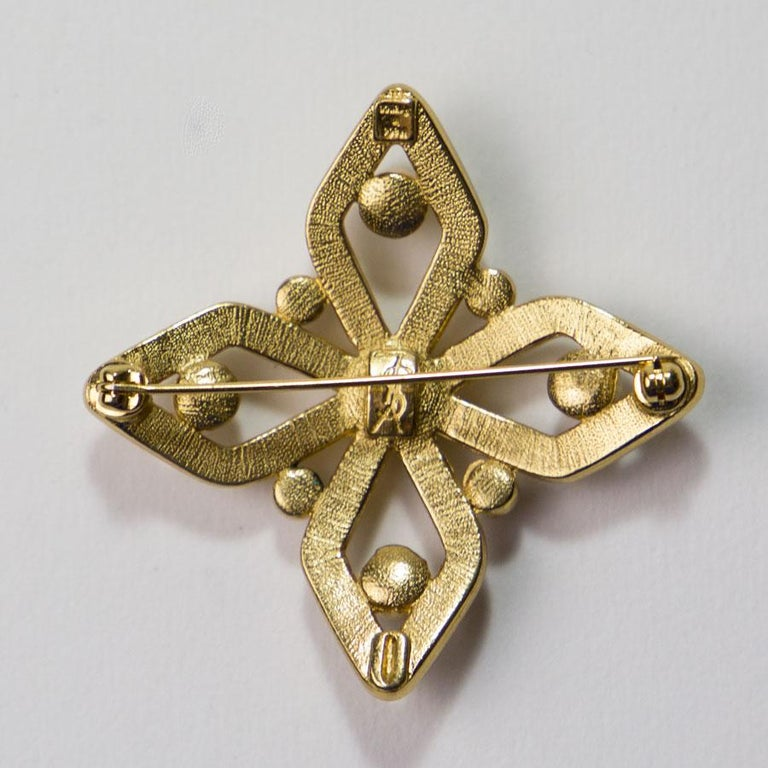 Yves Saint Laurent Brooch In Excellent Condition For Sale In Paris, FR