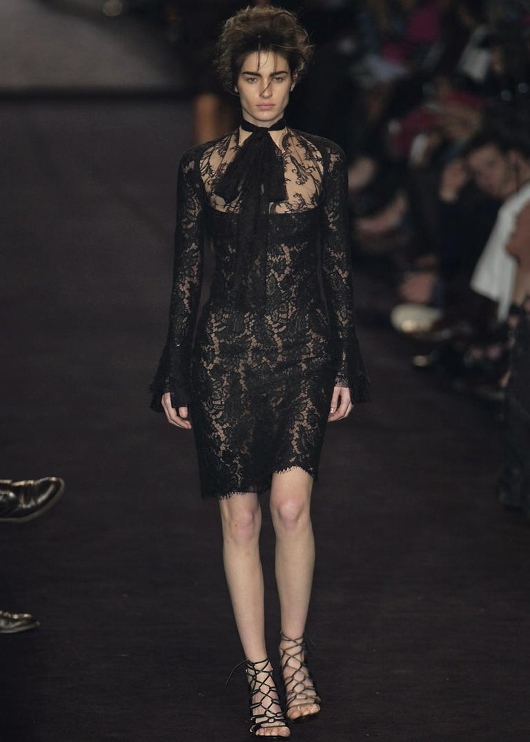 Yves Saint Laurent by Tom Ford black lace long-sleeve evening dress, fw 2002 In Excellent Condition For Sale In London, GB