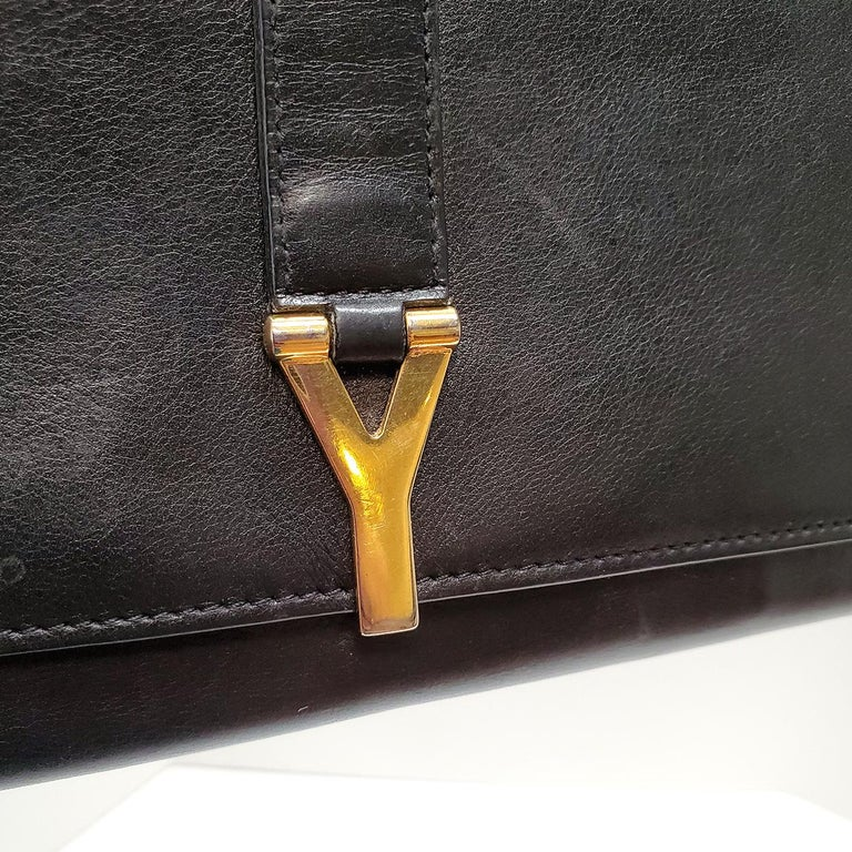 Yves Saint Laurent Classic Y Ligue Black Clutch Handbag In Good Condition For Sale In Columbia, MO