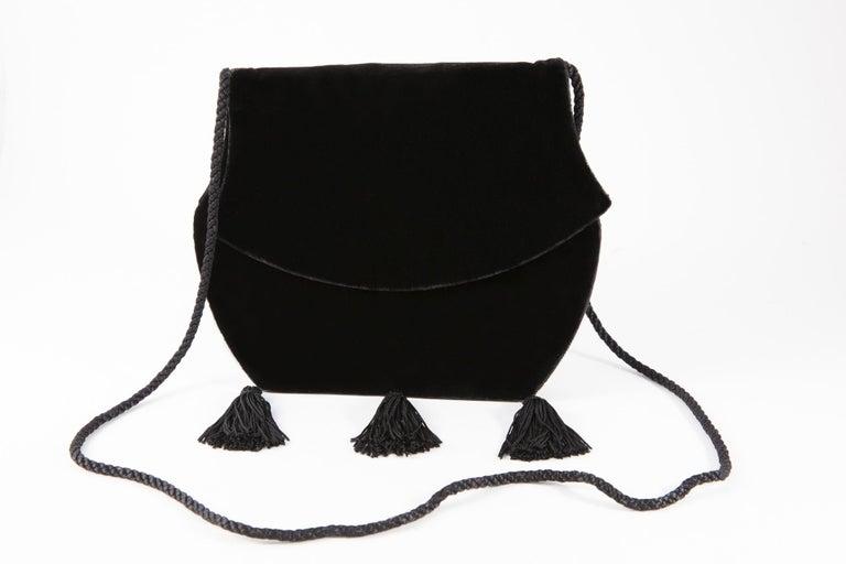 Yves Saint Laurent Evening Black Velvet Shoulder Bag In Good Condition For Sale In Paris, FR